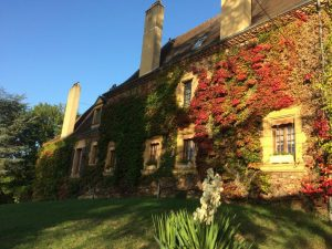 Domaine de Pessel retreats Manoir in Autumn
